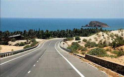 20150624073352699 Chấp thuận xây tuyến đường bộ ven biển chạy qua 6 tỉnh, thành phố