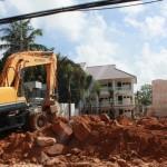 Công tr°Ýng xây dñng mÍc lên kh¯p n¡i trên £o Phú QuÑc. ¢nh: ình Dân