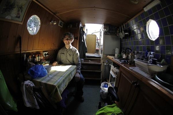 20150709132657 028e Chi phí nhà ở cao, người dân Anh chọn thuyền làm nơi cư ngụ