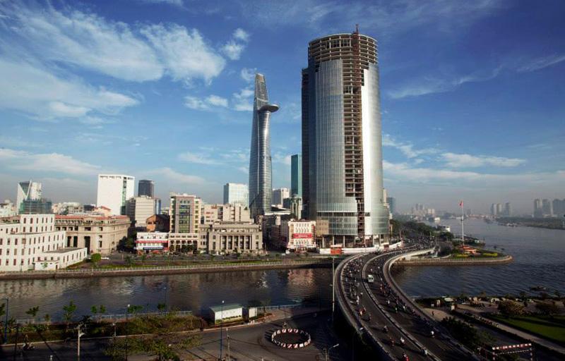 20150819094101 b6bb Saigon One Tower   Cao ốc nằm phủ bụi giữa trung tâm thành phố