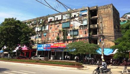 10a ipsy 1441616212 Người dân cố bám trụ chung cư cũ xuống cấp vì chính quyền chỉ hứa suông