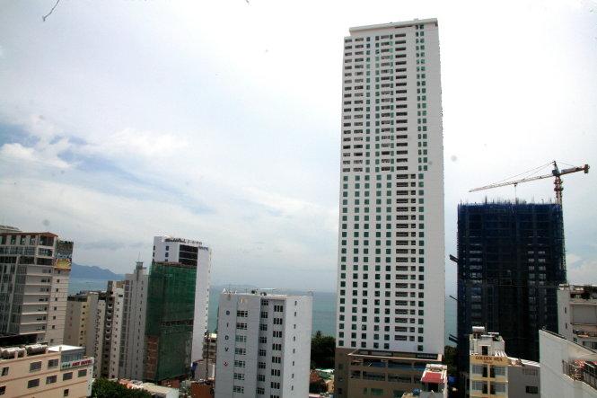 20150914140749 b2a3 TP Nha Trang : Nhiều công trình có chiều cao vượt trần quy định