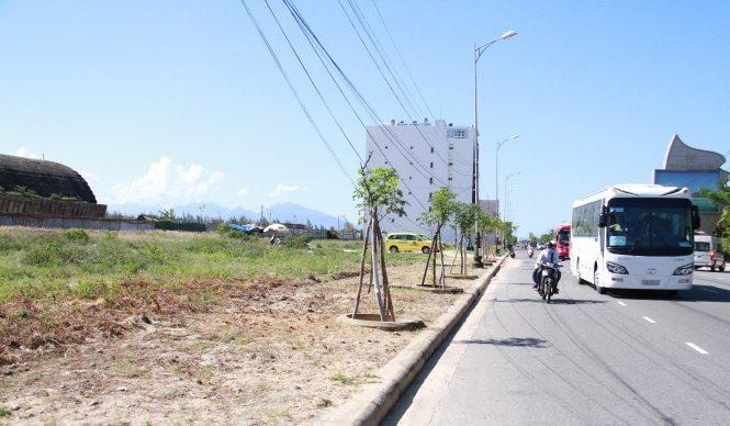 20150928115312 c5f5 Người Trung Quốc đang núp bóng người Việt để thu mua rất nhiều lô đất ven biển Đà Nẵng ?