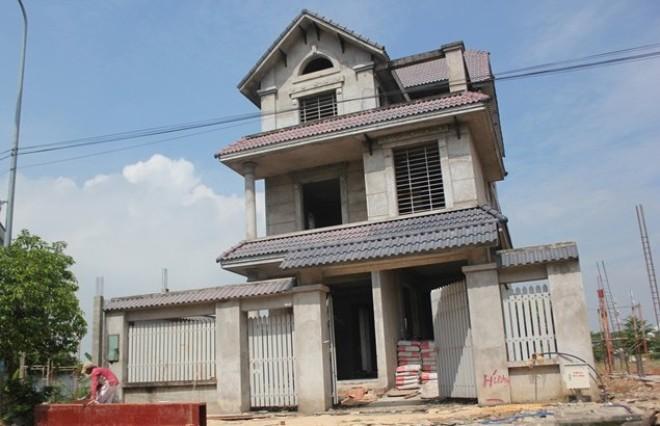20151109165436 a9e0 Tp.HCM : Nhiều biệt thự bỏ hoang được rao bán gấp dưới mọi hình thức