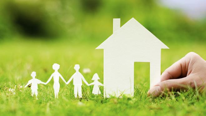 paper craft family buying house 1448618411204 Những kiến thức cơ bản cần biết khi mua chung cư giá rẻ