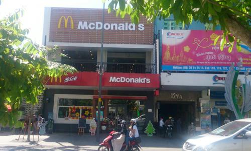 20160104074834194 Các thương hiệu lớn và cuộc đua giành mặt bằng trên phố đi bộ Nguyễn Huệ